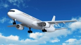 Aeronáuticos mantienen el puente aéreo en zona de catástrofe.